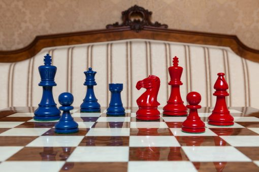 """Earl Steel Blue and Red Chess Pieces on the red 50 cm """"Cordoba"""" Chess Board"""